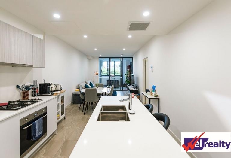 Near Dee Why beach 2 bedroom modern apartment