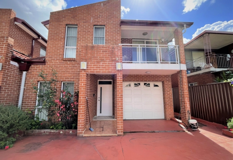 Full brick new home in best location